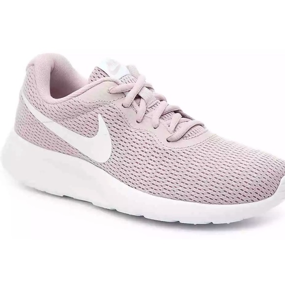 78aaa8ed7472 NIKE Tanjun Rose Running Shoes 812655-605